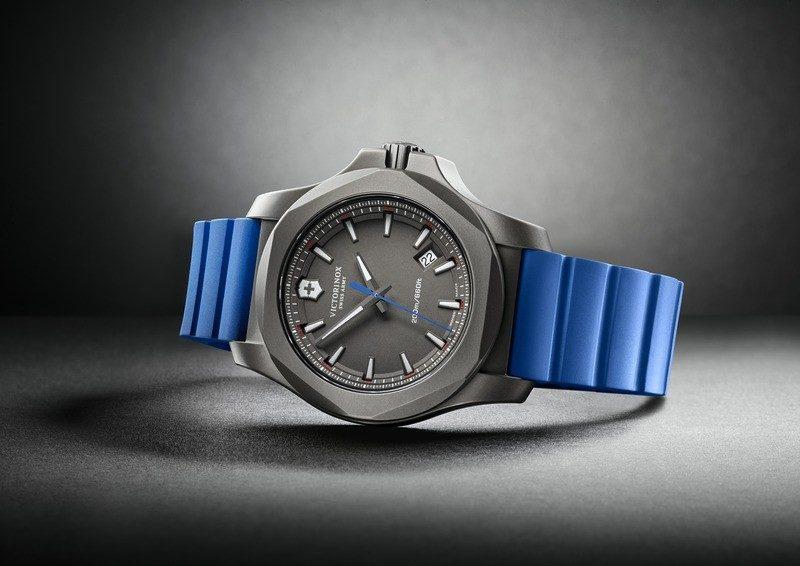 Victorinox 241759 I.N.O.X. Titanium hodinky