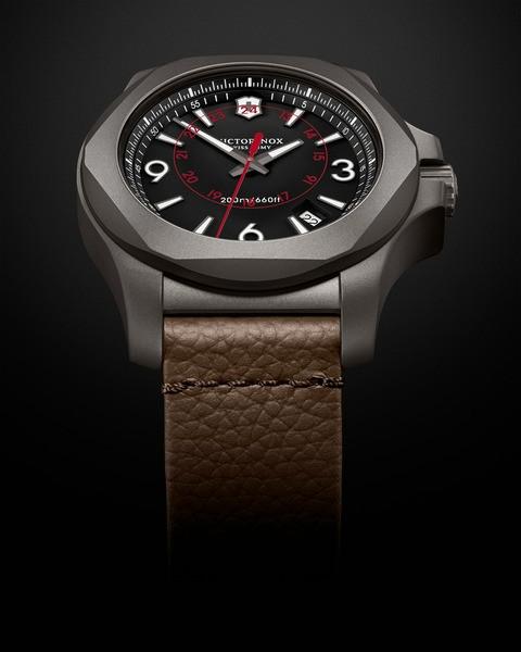 Victorinox 241778 I.N.O.X. Titanium hodinky