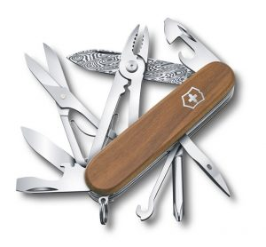 Victorinox 1.4721.J18 Deluxe Tinker Damast vreckový nôž